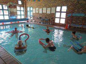 Large Swimming School Class Aqua Dynamics