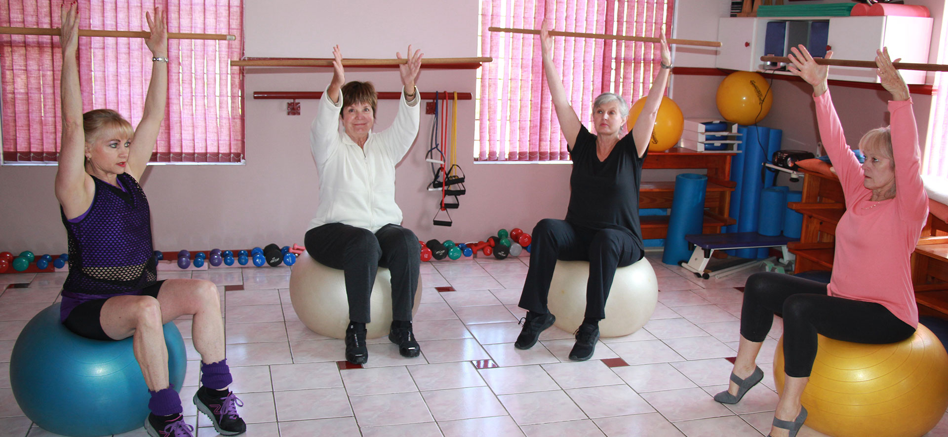 Old Ladies Stretching Muscle Dynamics